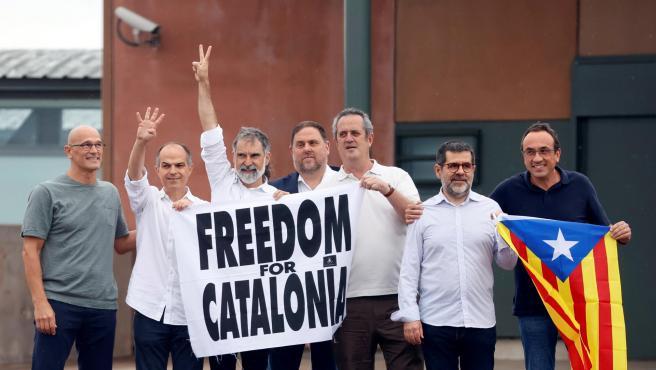 Los presos del procés abandonan la cárcel de Lledoners tras el indulto del Gobierno.