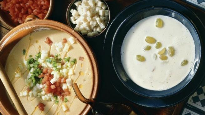El salmorejo y el ajoblanco, típicos de Andalucía, son otros de los platos típicos del verano.