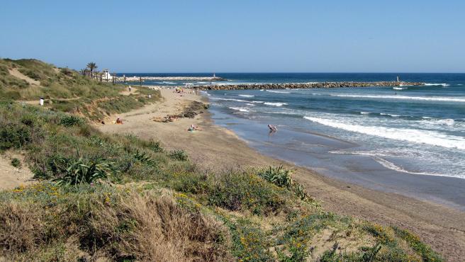 Playa de Artola-Cabopino.