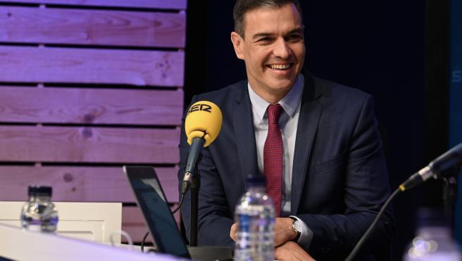 El presidente del Gobierno, Pedro Sánchez, este lunes durante la entrevista en la Cadena SER.