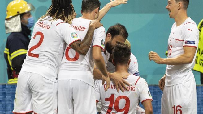 Suiza celebra un gol ante Francia.