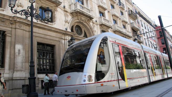 Tussam licita la adquisición de las nuevas unidades del Metrocentro para su ampliación, por 13,3 millones