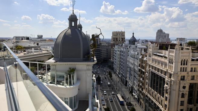 Madrid no tiene aún los permisos necesarios para desplegar este sábado la bandera arcoíris de 700 metros en Gran Vía