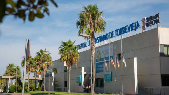 Sanidad incluye el departamento de Torrevieja como opción en las bolsas temporales de empleo, de cara a la reversión