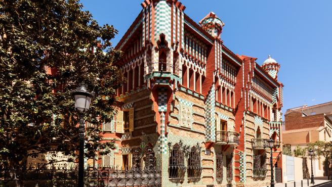 Fachada de la Casa Vicens de Antoni Gaudí, ubicada en el barrio de Gràcia de Barcelona.