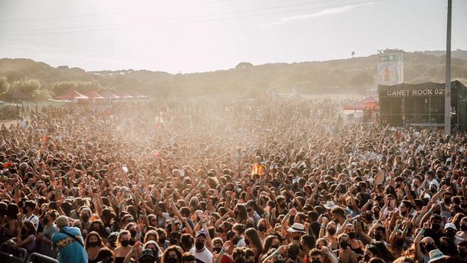 """El Canet Rock acoge a 22.000 personas sin distancia y recupera """"la música como antes"""""""
