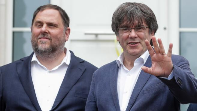 Primer cara a cara entre Junqueras y Puigdemont tras cuatro años.