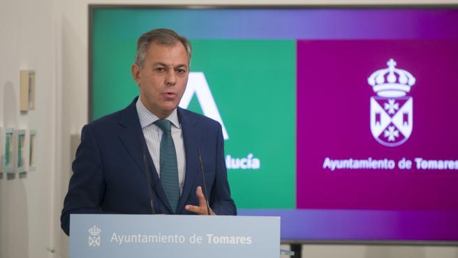 """José Luis Sanz, """"respetuoso"""" con los tiempos, afirma que ser alcalde de Sevilla sería un """"reto alucinante"""""""