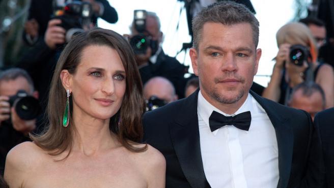 Matt Damon junto a la actriz francesa Camille  Cottin durante la presentación de 'Cuestión de sangre' en Cannes