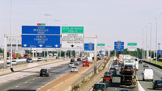 Carteles de las autopistas y carreteras en Francia.