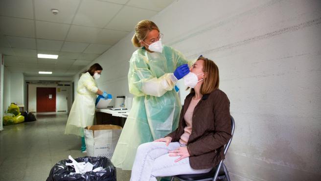 Sanidad contabiliza 1.738 nuevos casos de COVID-19 en Baleares desde la actualización del viernes