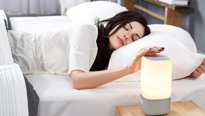 La empresa creará dispositivos de radar para evaluar la calidad del sueño.