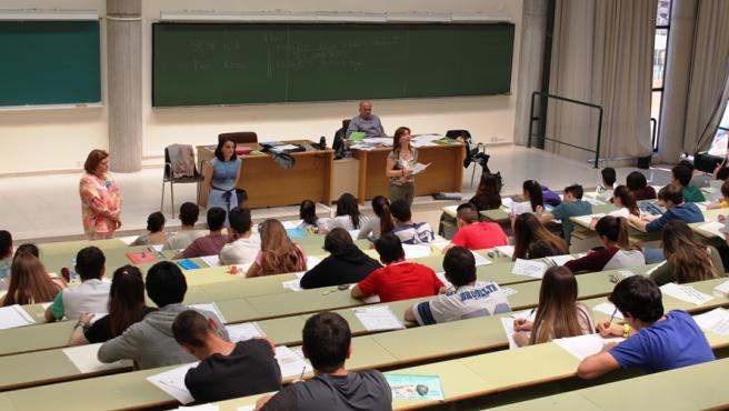El 75,42% de los estudiantes asturianos supera la EBAU en la convocatoria de julio