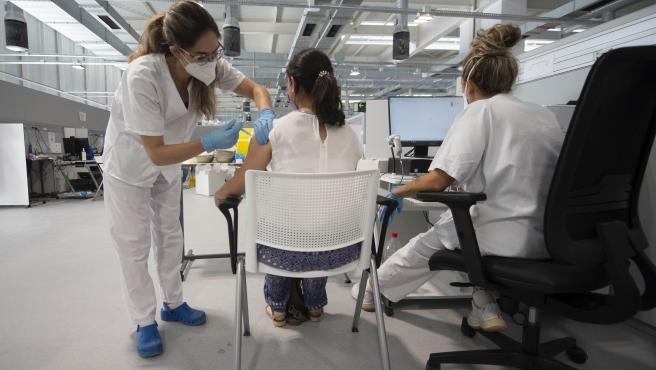 Israel comienza a aplicar la tercera dosis de la vacuna a mayores de 60 años