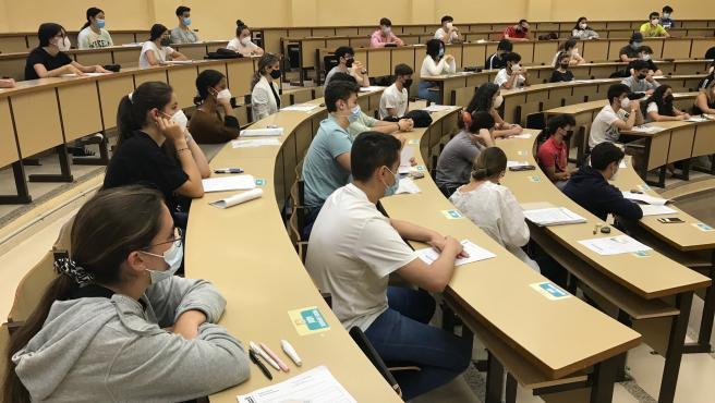 El 73% de los 999 estudiantes convocados han aprobado la EBAU extraordinaria en Extremadura