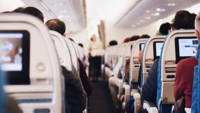 Las aerolíneas cambian sus precios dependiendo de la oferta y la demanda.