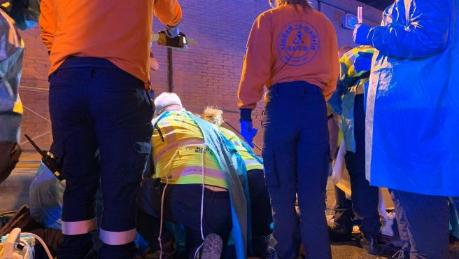 Los servicios de emergencia atienden al joven en el túnel que une el Retiro con Arganzuela.