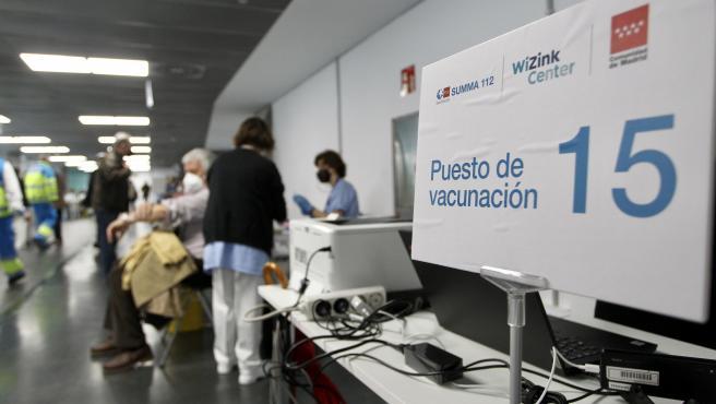 Punto de vacunación contra la covid en Madrid.