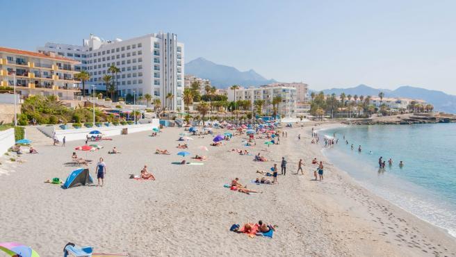 El paseo marítimo de Nerja contará con nuevos aseos públicos y servicios de playas