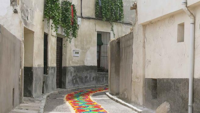 Almonacid de Zorita se suma al Xacobeo y elaborará una alfombra floral con Cruz de Santiago y botafumeiro como motivos