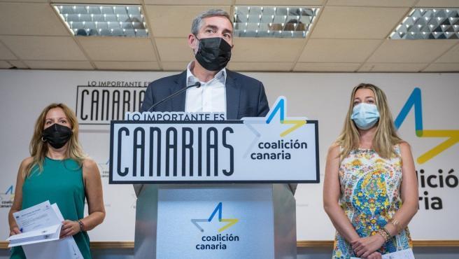 """CC acusa a NC y PSOE de certificar su """"traición"""" a Canarias"""