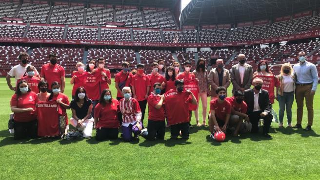 Educación firma un convenio con el Sporting de Gijón para fomentar la inclusión de alumnos de educación especial