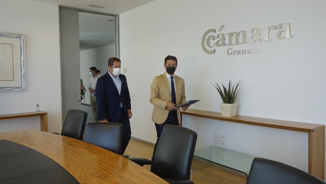 """El alcalde de Granada traslada su """"máxima colaboración"""" al tejido empresarial para lograr la recuperación"""