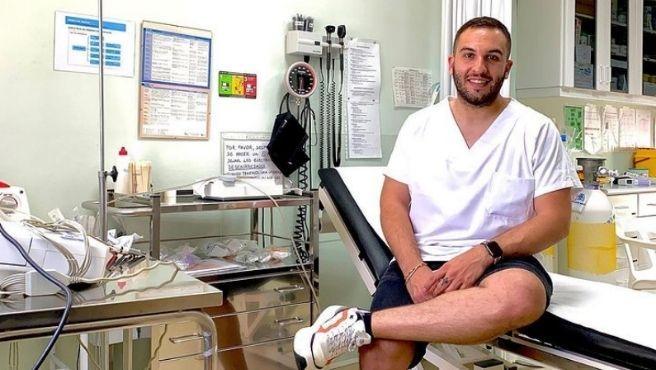 El enfermero de Ávila causa furor en Instagram con temas de salud.