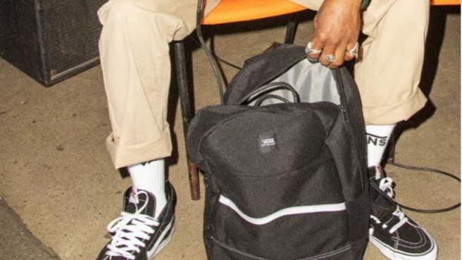 Las zapatillas Vans son perfectas tanto para looks más casual como para ropa deportiva.
