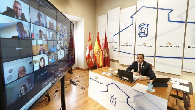 Diputación de Valladolid insta a Gobierno a extender la conexión a 100 mbps y la oposición le critica que reduzca fondos