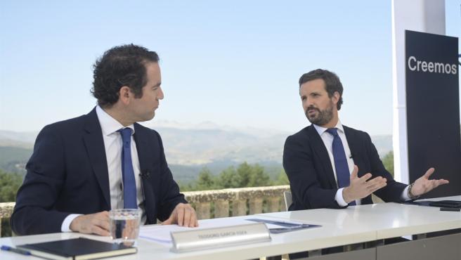El líder del PP, Pablo Casado, preside la reunión de la Junta Directiva Nacional del PP en el Parador de Gredos