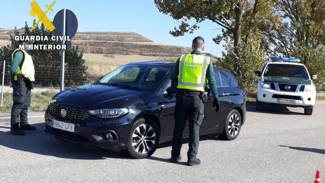 Investigan en Burgos a un conductor ebrio y detienen a su acompañante por agredir a un guardia civil