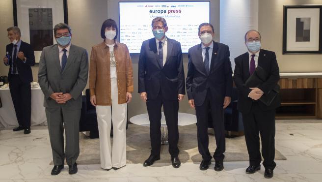 Puig, junto a los ministros de Inclusión, Ciencia, Agricultura y Cultura.