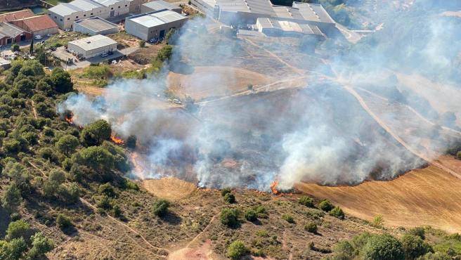 El incendio que se ha declarado en Sant Llorenç Savall.