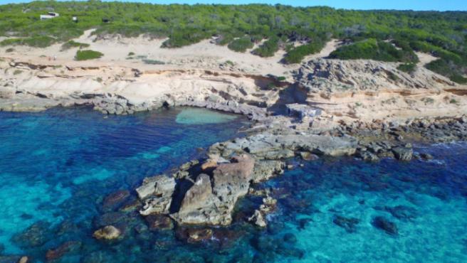 Las Baleares conservan intacto el espíritu mediterráneo en muchos de sus parajes y calas.