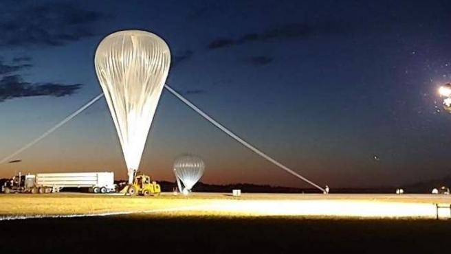Este es el apecto del globo de helio de SuperBit antes de su inflado en una prueba realizada en Texas.