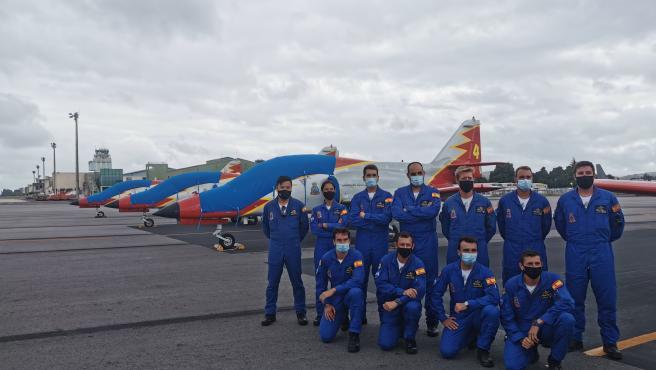 Siete cazas de la Patrulla Águila dibujarán la bandera española en el cielo de Santiago durante el Día del Apóstol