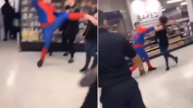 Dos secuencias de la agresión de un tipo disfrazado de Spiderman a una mujer en un supermercado.