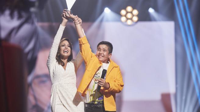 Eva González y Levi Díaz, en 'La voz kids'.