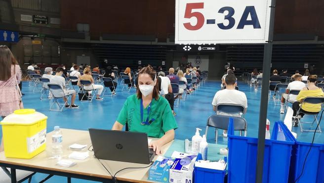 Los jóvenes de más de 16 años de Tenerife y Gran Canaria ya pueden vacunarse sin cita