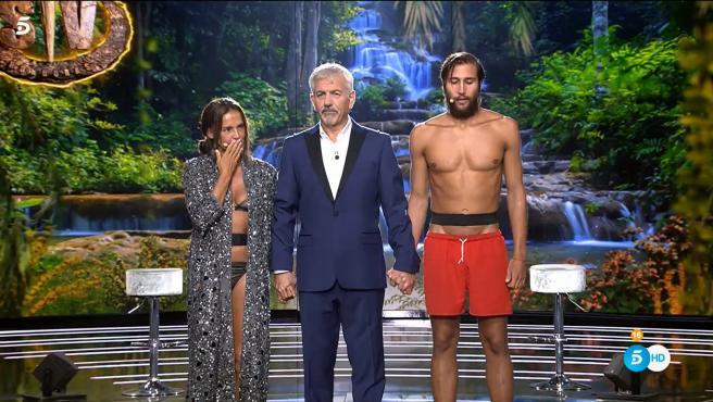 Olga Moreno, Carlos Sobera y Gianmarco Onestini, en 'Supervivientes 2021'.