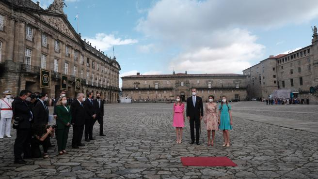 """(AM) El rey reivindica la Corona como """"continuidad"""" de la """"nación vinculada por pasado, presente y futuro"""" que es España"""