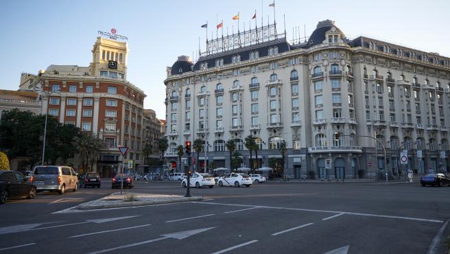 Dos hoteles del Paseo del Prado.