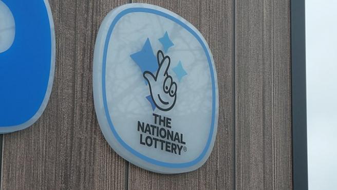 Logo de la National Lottery, el organismo de loterías de Reino Unido.