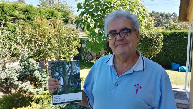 Miguel Boó y su libro 'La mala prensa del eucalipto'