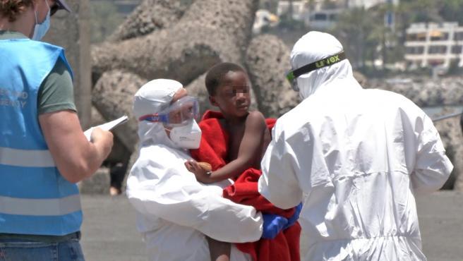Amnistía Internacional exige al Gobierno que tome medidas para acoger a los migrantes que lleguen este verano a Canarias