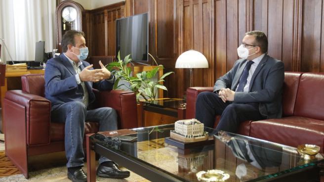 El presidente de la Junta recibe al director general de Gobernanza Pública