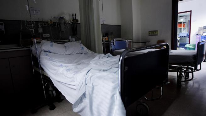 La espera media para una operación baja en todas las áreas sanitarias, con A Coruña y Lugo como las de mayor caída