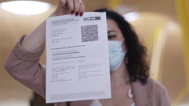 La Generalitat prevé alcanzar la inmunidad de grupo antes de aplicar el pasaporte COVID en establecimientos