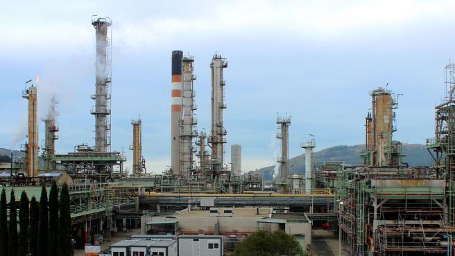 La refinería de Repsol en A Coruña finalizará el ERTE desde el 1 de septiembre, un mes antes de lo previsto